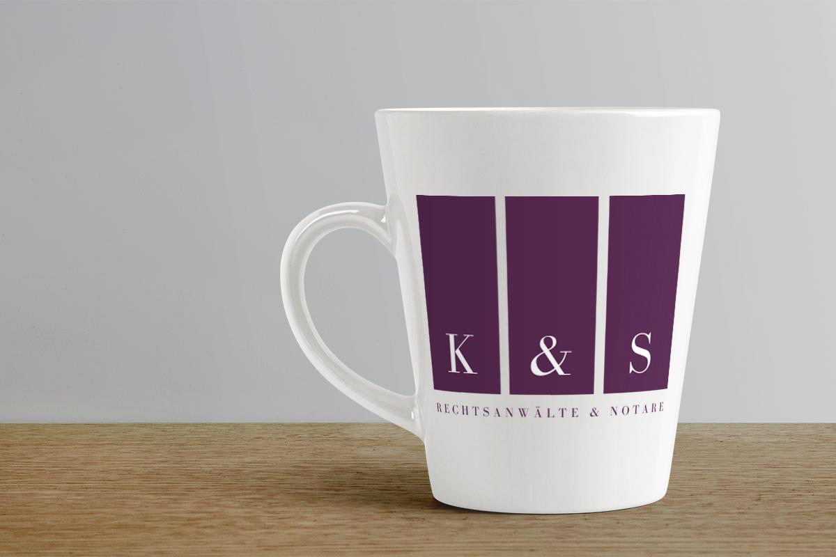 Individuell bedruckte Kaffeebecher mit Firmenlogo. Weyhe Werbung